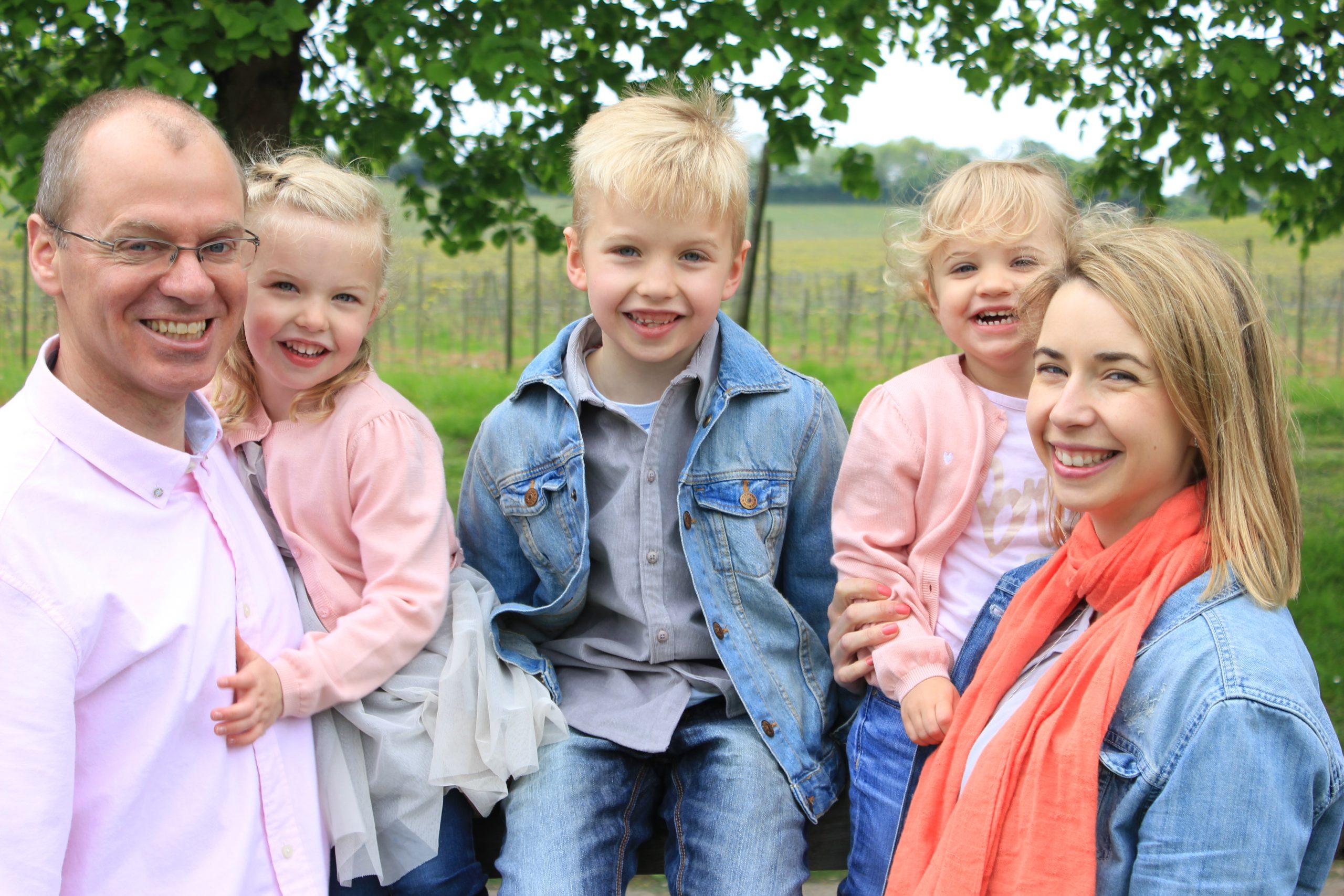 Family photoshoot in vineyards