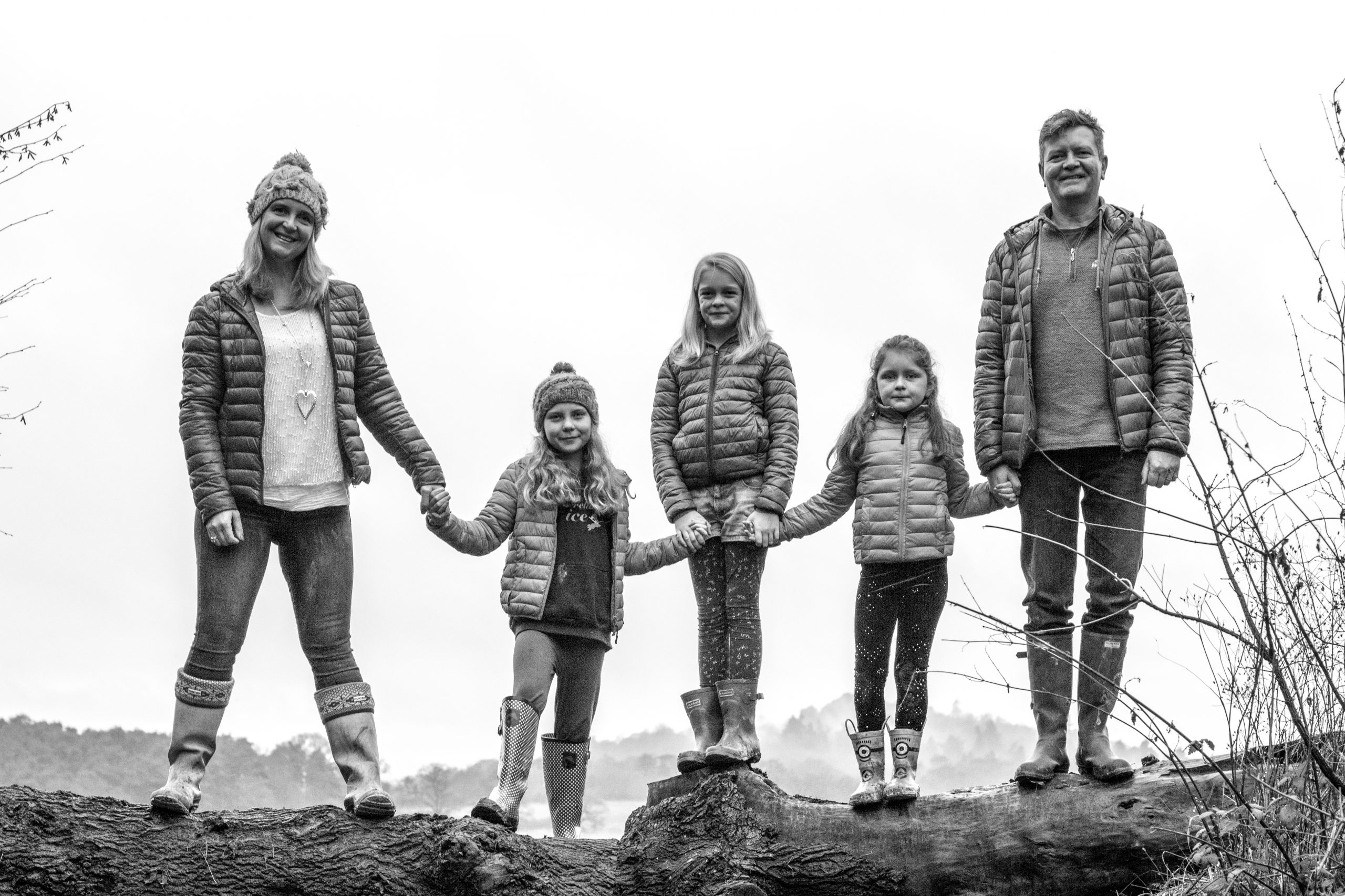 Black and white Winter family photoshoot