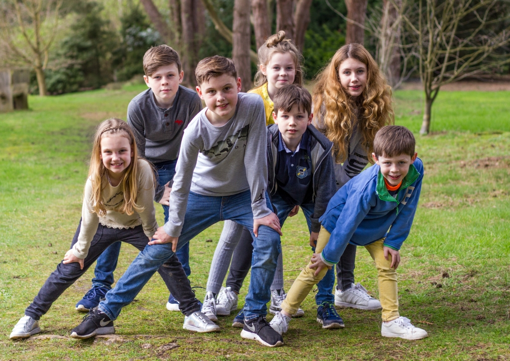 Large family group - cousins photoshoot